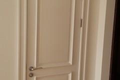 Белые двери из ясеня с обкладом