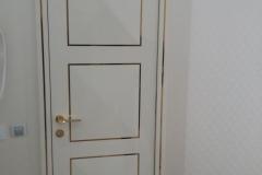Глянцевые двери с пирамидальным молдингм