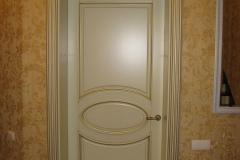 Входные двери из ясеня с обкладом