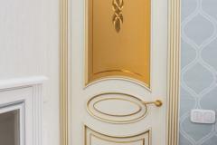 Межкомнатные двери из ясеня глухие с обкладом 3